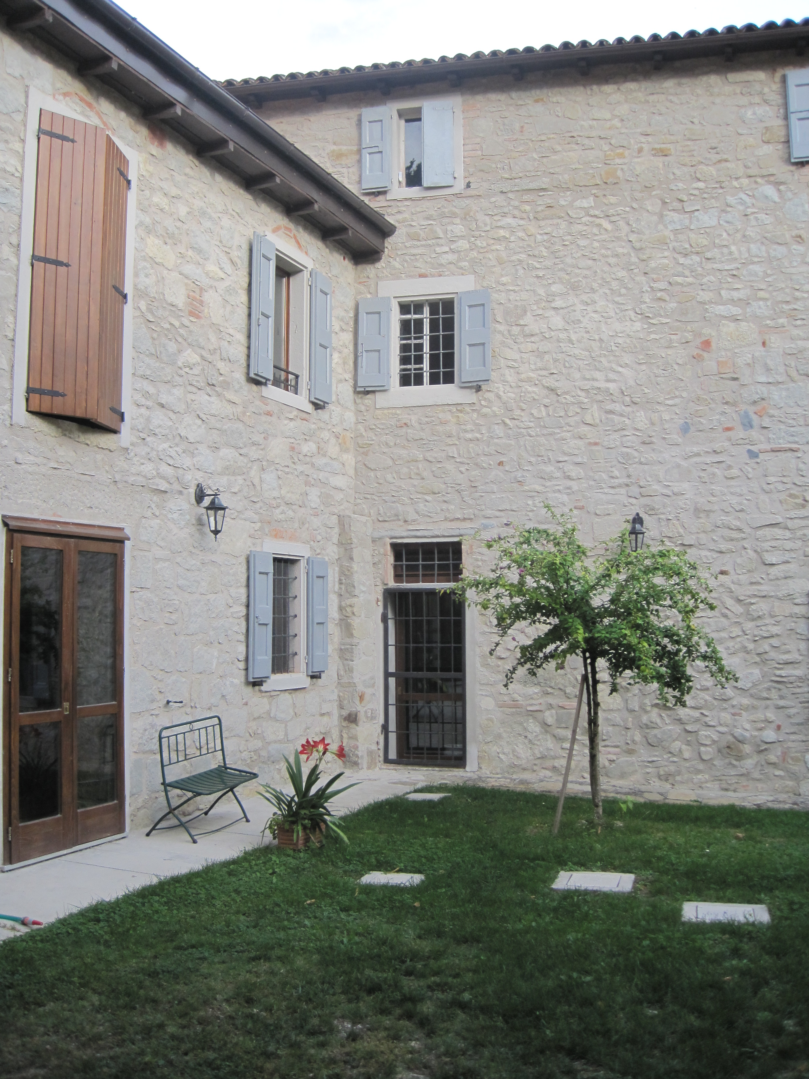 Good jpg esterno casa with esterno casa for Piani casa del cortile